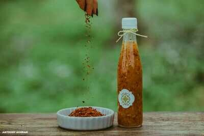 Sweet and Chili Sauce صلصة الفلفل الحار الحلو (Bottle) - Namliyet Setti