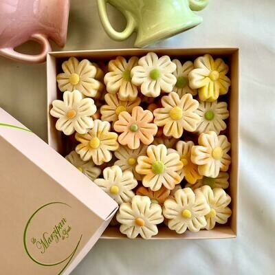 Marzipan Handcrafted Colorful Daisies - Easter Edition (Box) - Le Marzipan de Zouk