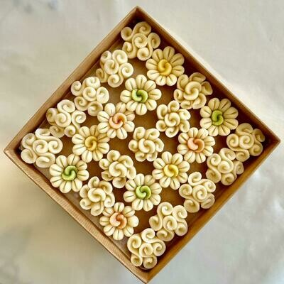 Marzipan Handcrafted Delicate Flowers (Box) - Le Marzipan de Zouk