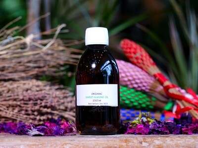 Vegetable Oil Sweet Almond Organic (Bottle) - Nature by Marc Beyrouthy