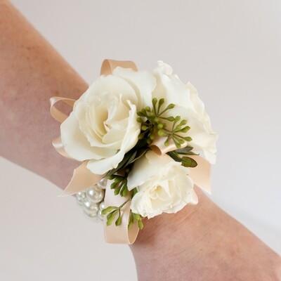 Classic wrist corsage