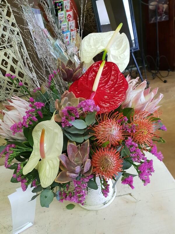 Flowers in a pot (Seasonal flowers)