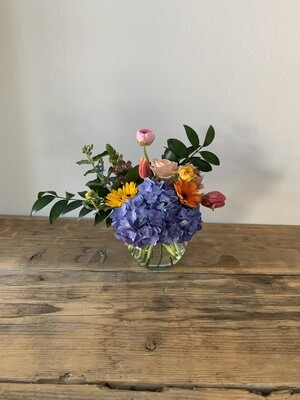 Small Bedside table bouquet
