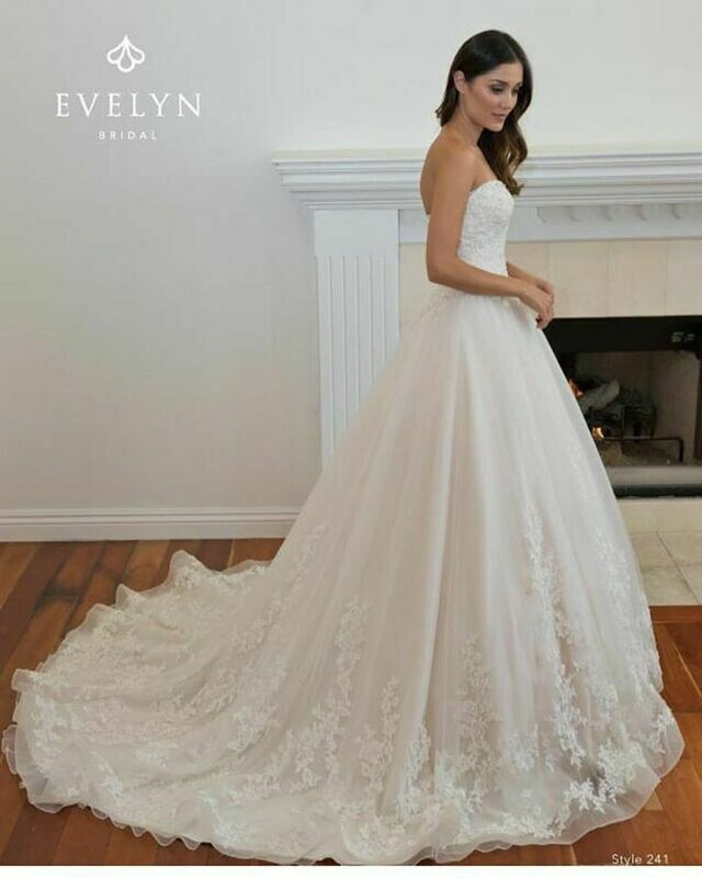 Evelyn Bridal 295 size 10