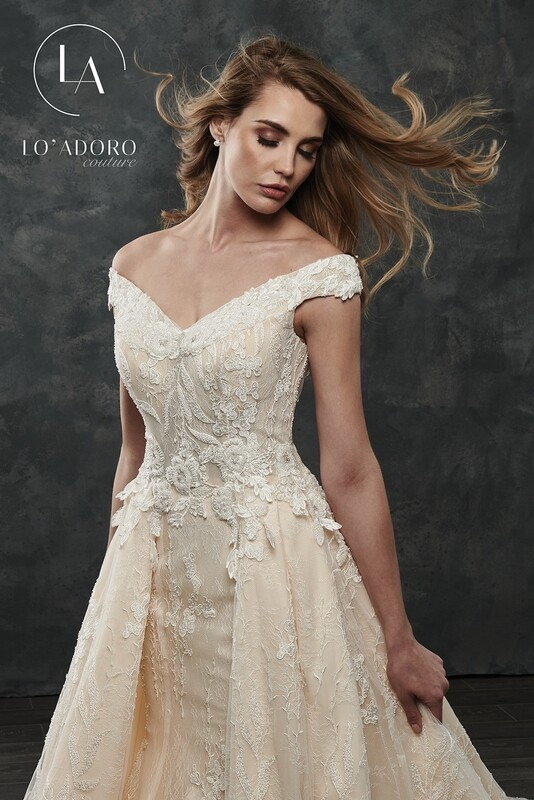 LO 'Adoro wedding dress M678 size 16