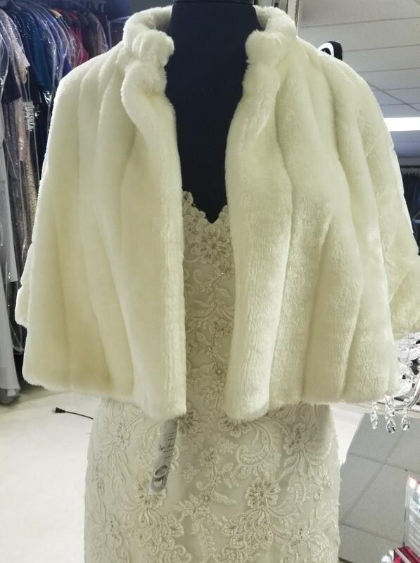 Bridal Faux Fur Cape 3840