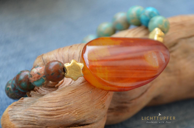 Prächtiges Edelsteinarmband mit großem Aprikosenachat- Kaiserjaspis trifft Goldsternchen