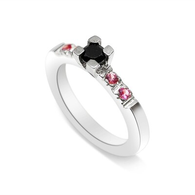 Solitaire Ring with Black And Pink Spinel Sterling Silver 925