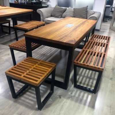 Slotted Chairs Dining set