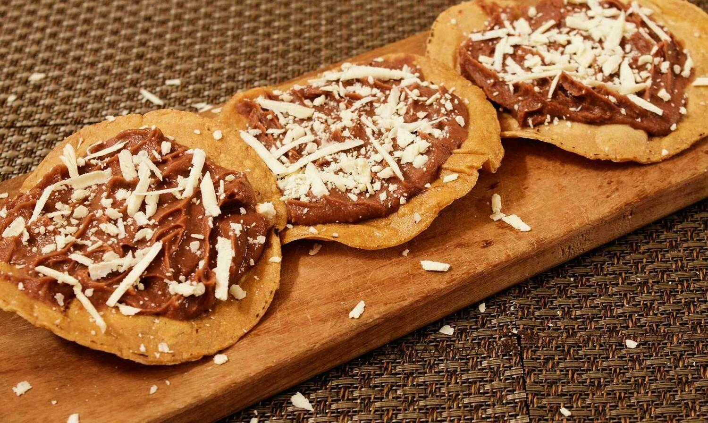Catrachita de frijol (12 Unidades) Tamaño Boquita