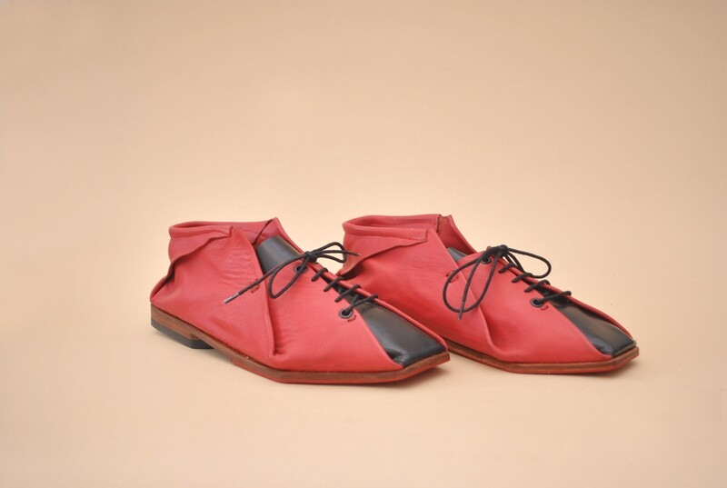 Mantta Shoes in red&black