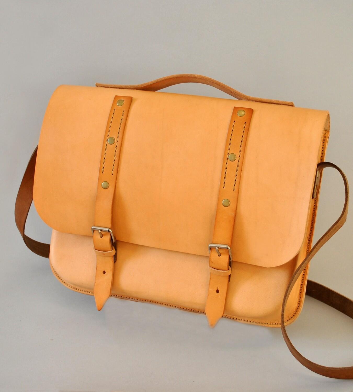 Dakar messenger bag