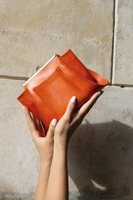 Ursus clutch orange