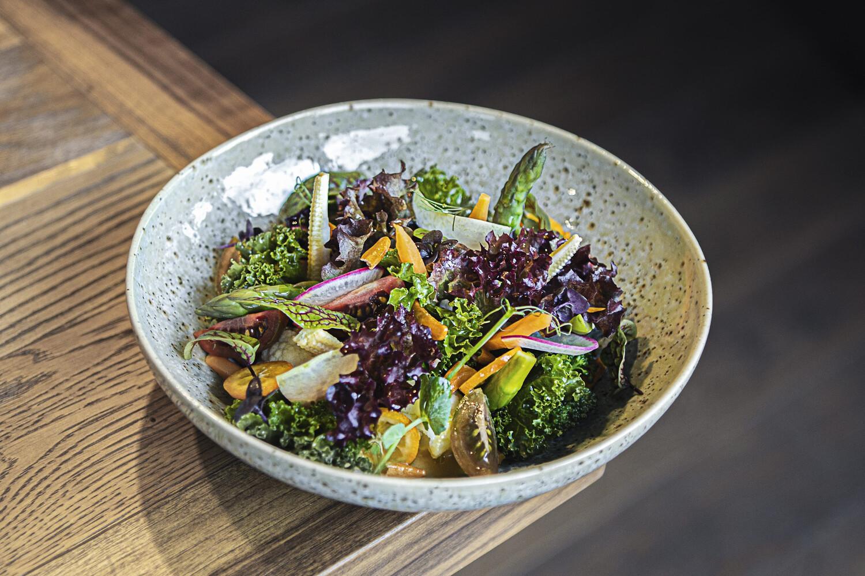 Зеленый микс салат с овощным дрессингом (340 гр)