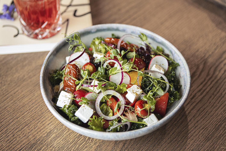 Овощной салат с брынзой (300 гр)