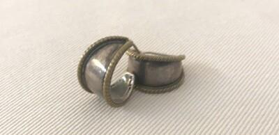 Earrings by Zazen