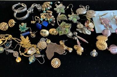 Jewelry Grab Bag of Pairs of Earrings