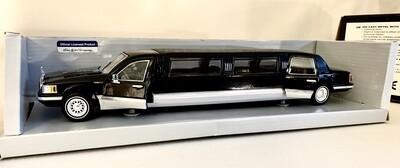 Die-Cast Superior 1996 Lincoln Limousine