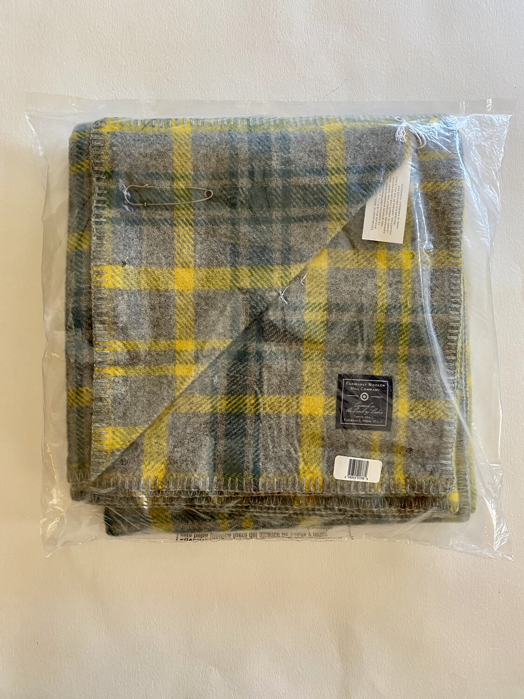 Faribault Woolen Mill Company Cape Green/Yellow