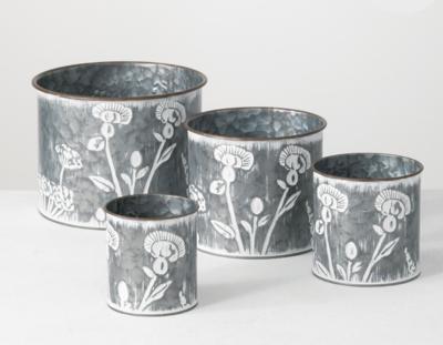 """Metal Flower Patterned Planter 4.75"""""""