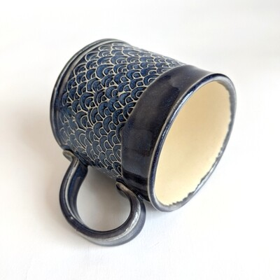 Small Scale Design Glazed Mug