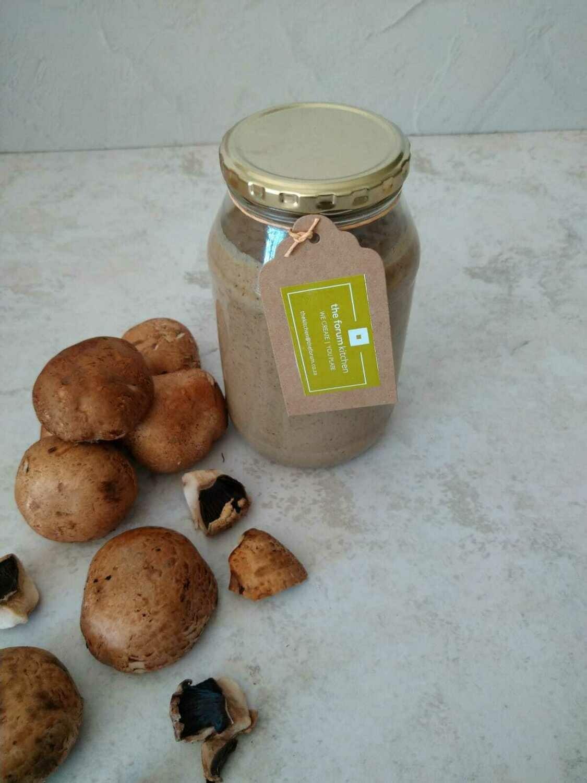 Sauce fungi in 500ml glass jar