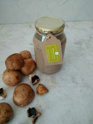 Sauce fungi in 500ml glass jar