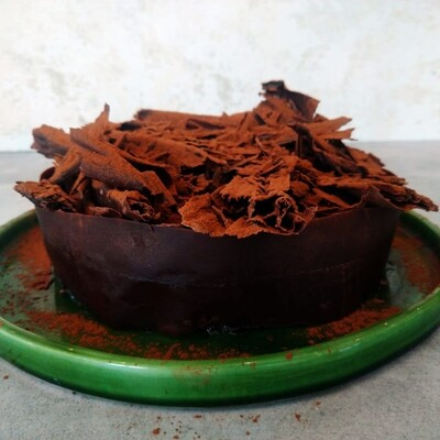 Chef Arno's Decadent dark chocolate fondant cake 6-8 slices (23cm round)
