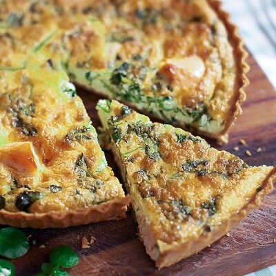 Local salmon trout & spinach quiche  - 6-8 slices  [23cm round)