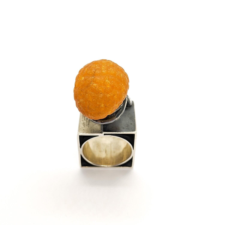 Pierścionek srebrny z bursztynem
