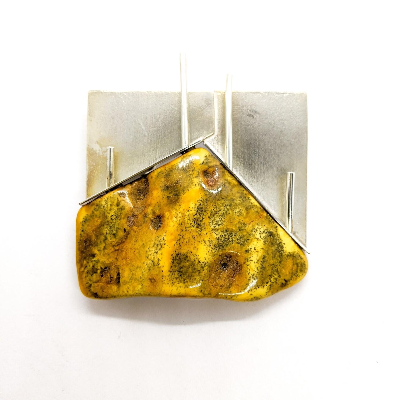 Brosza srebrna z bursztynem