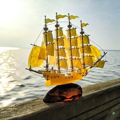 Statek z bursztynu bałtyckiego