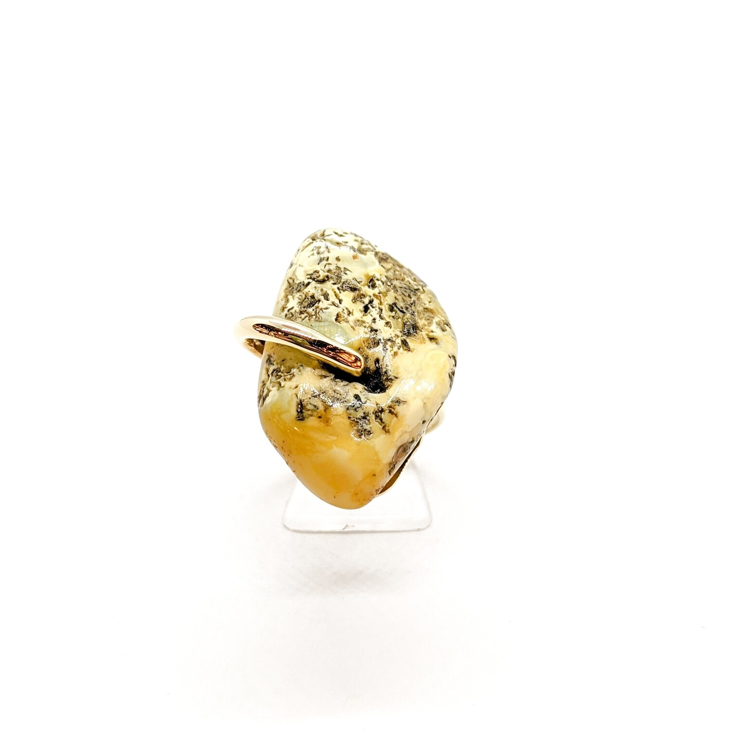 Ring with Baltic amber
