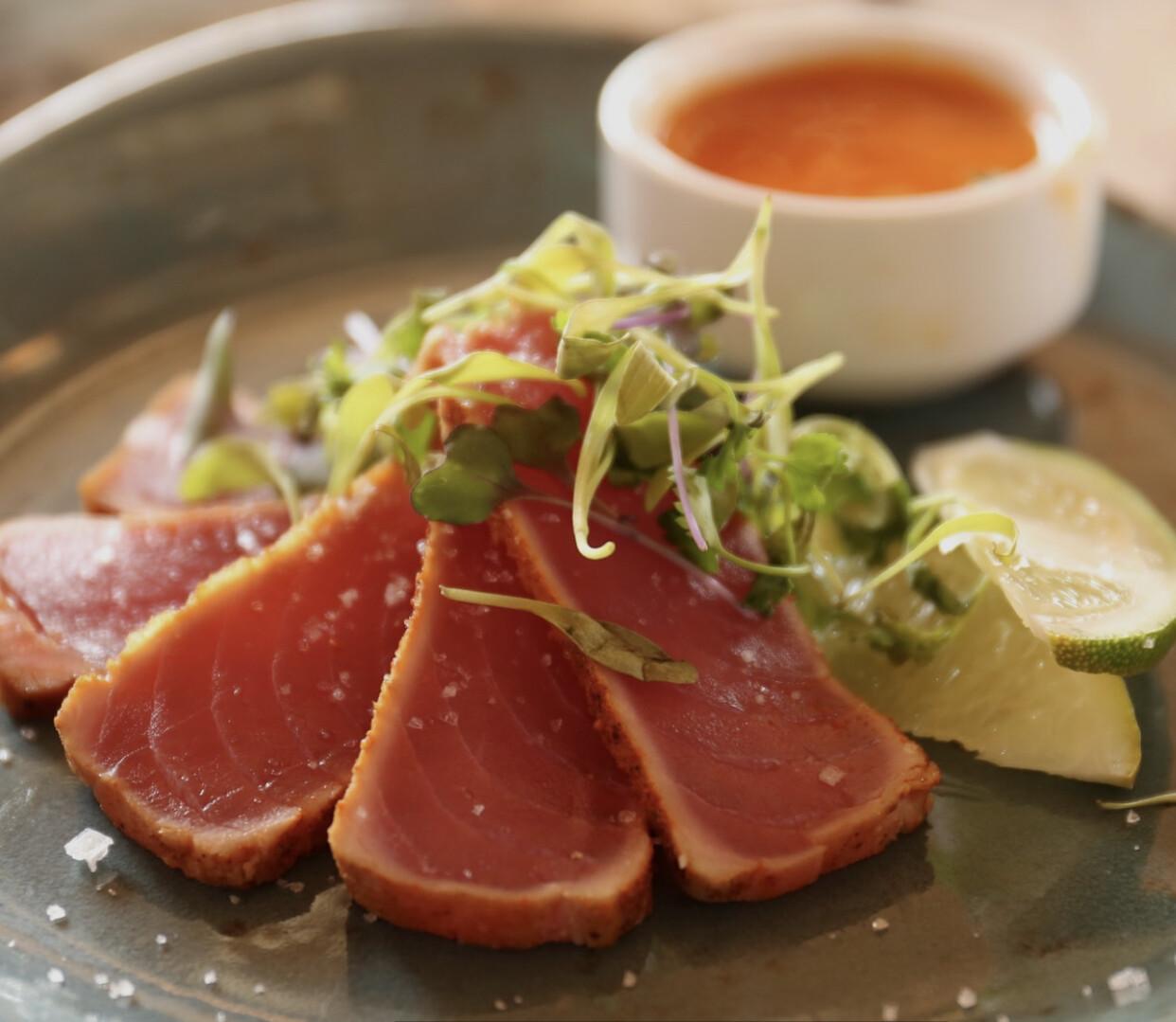 Frozen Tuna Steaks ( +/- 160g )