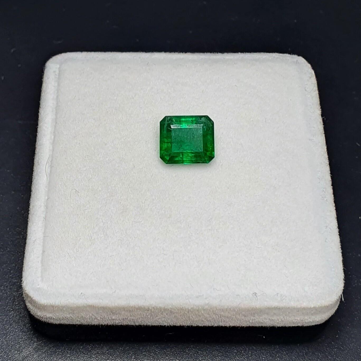 Emerald octagon cut 2.98 ct