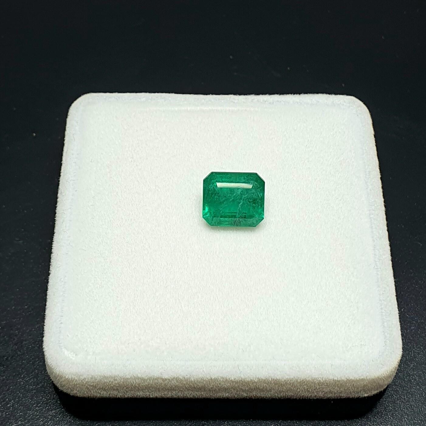 Emerald octagon cut 3.47 ct