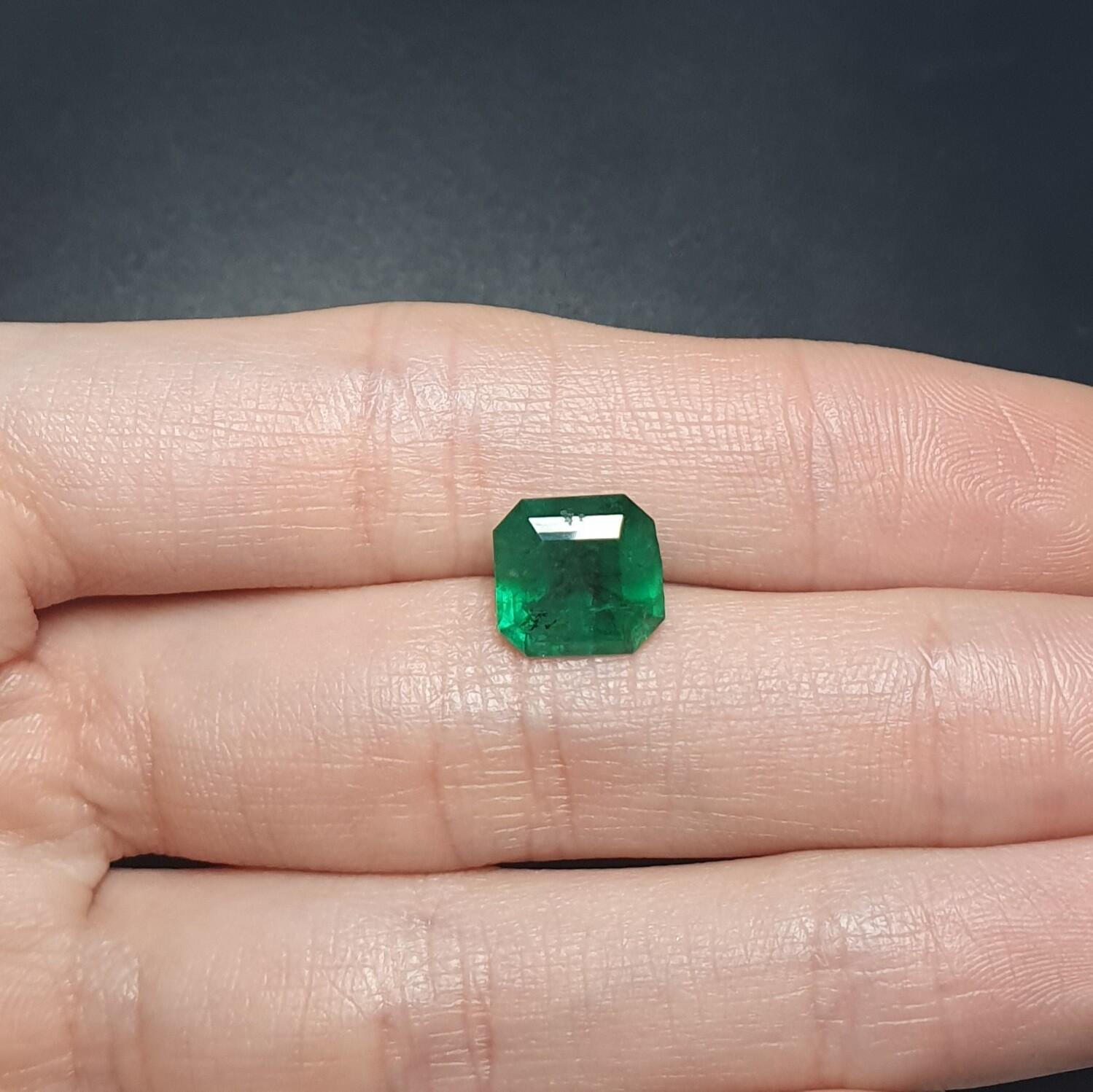 Emerald octagon cut 3.57 ct