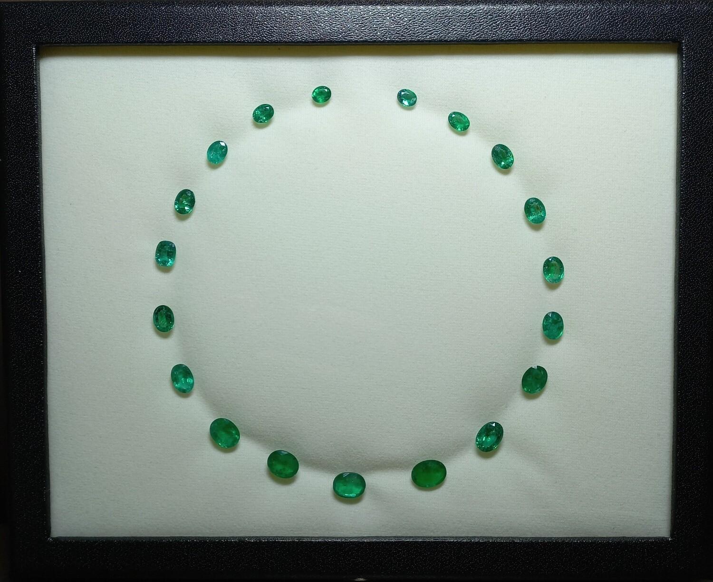 Emeralds Oval cut lot 30 ct
