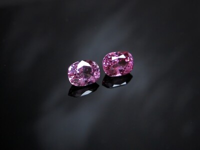 Spinel Cushion cut pair 0.94 ct and 0.96 ct