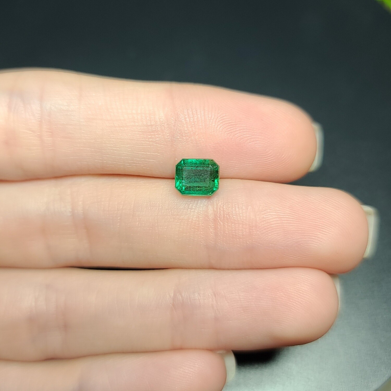 Emerald octagon cut 1.10 ct