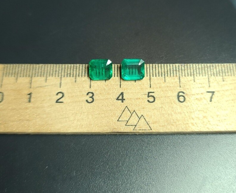 Emeralds oсtagon cut pair 1.78 ct and 1.78 ct
