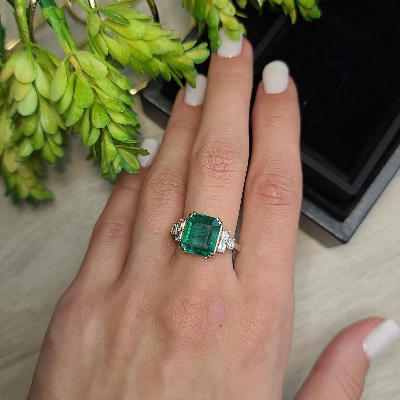 Emerald ring Octagon cut 4.16 ct