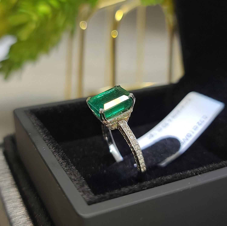Emerald ring Octagon cut 4.33 ct