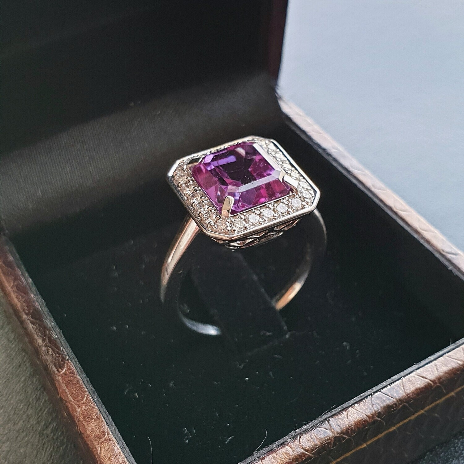 18K Gold Ring with Tourmaline and Diamonds, Color Gems Collection, TRM022