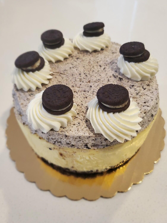 Oreo Cheesecake Slice