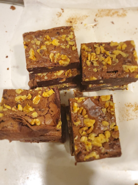 Walnut Fudge Brownies (PACK OF 6)