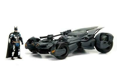 2017 Justice League™ Batmobile™ with Batman™ figure (1/24, diecast model car)