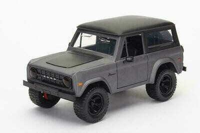 Ford Bronco Hardtop (1973, 1/24 scale diecast model car)