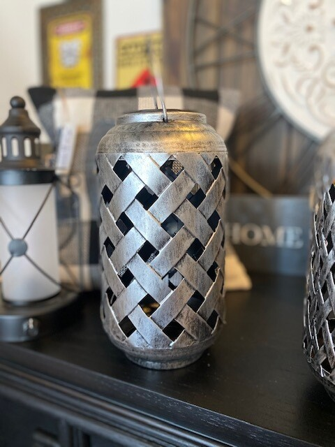 Silver LG Lattice Pattern Lantern