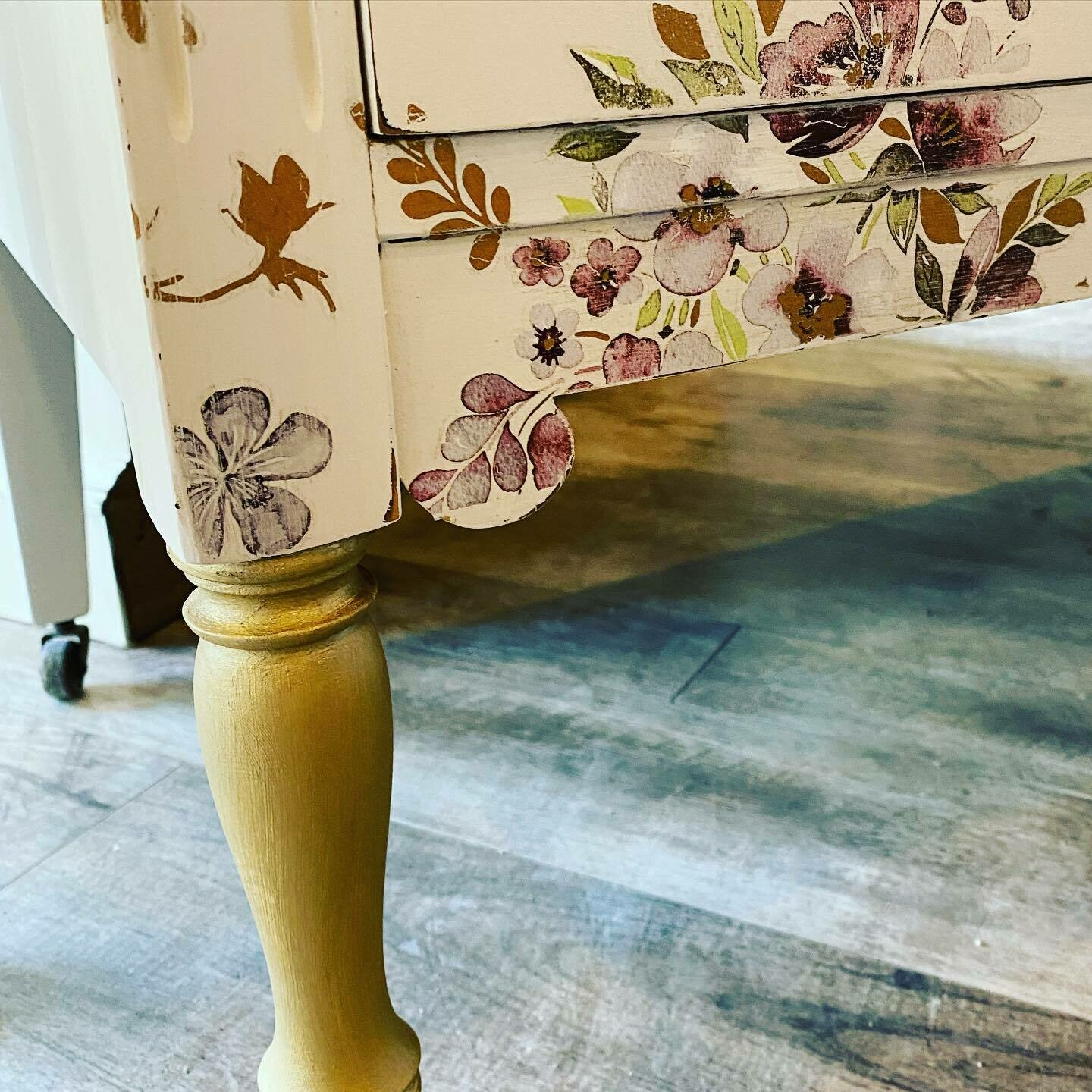 Virtual Intro to Furniture Painting (both Fusion and Mango) including Transfers
